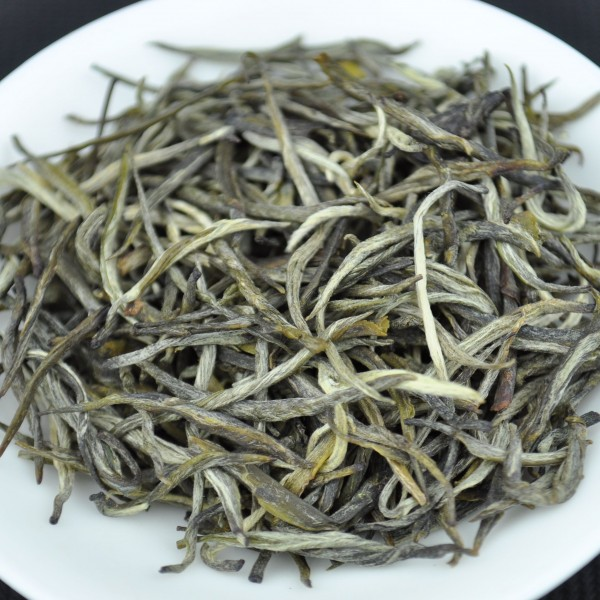 Ai-Lao-Mountain-Jade-Needle-White-Tea-Autumn-2015