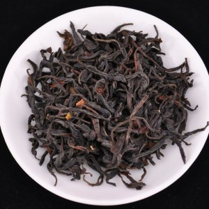 Feng-Qing-Ye-Sheng-Hong-Cha-Wild-Tree-Purple-Black-tea-Spring-2015
