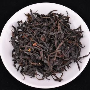 Feng-Qing-Ye-Sheng-Hong-Cha-Wild-Tree-Purple-Black-tea-Spring-2015