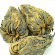 Hand-Made-Flowering-Yunnan-Feng-Qing-Black-Tea-Cones-Spring-2016-3