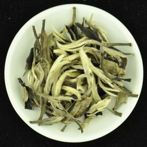 Jinggu-Imperial-Yue-Guang-Bai-White-Tea-of-Yunnan-Autumn-2015