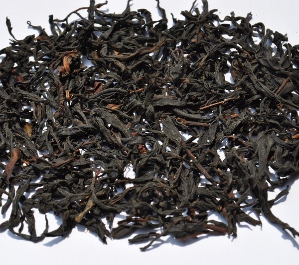 Light-Roast-Wild-Tree-Purple-Varietal-Black-Tea-of-Dehong-Spring-2013
