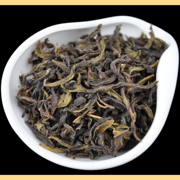 """Wu Yi Shan """"Bai Ji Guan"""" Rock Oolong Tea * Spring 2015"""