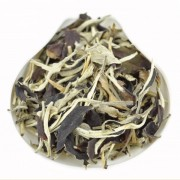 Yunnan-Yue-Guang-Bai-Air-Dried-White-tea-Spring-2016-1